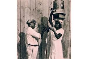 Продавачка на мауби в миналото