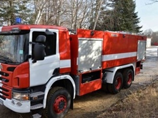 Автомобил изгоря в Созопол, гараж пламна в руенско село