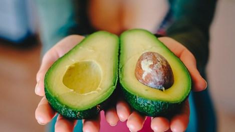 Ползи от семката на авокадото за здравето и красотата