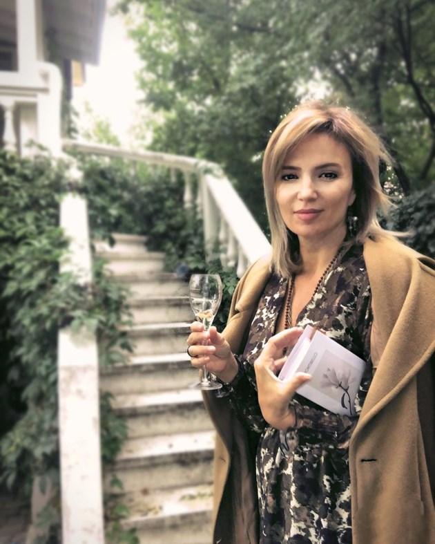 Ирина Тенчева с кулинарна книга