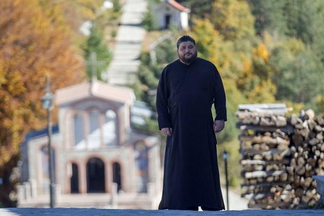 Йеромонах Серафим от Кръстова гора: Пандемията засили вярата ни