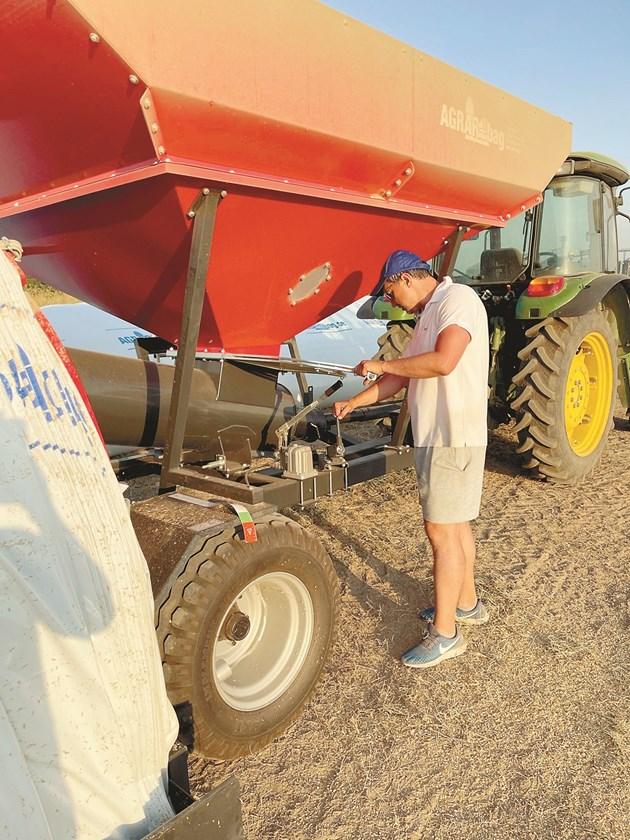 Работата с пълнещата машина не е трудна, казва Стефанов