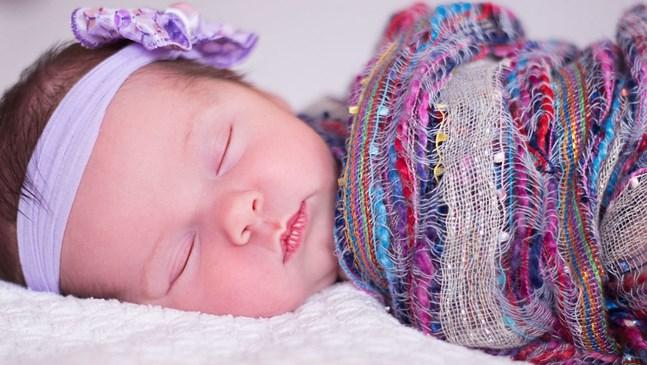 8 стъпки да научите бебето да заспива само