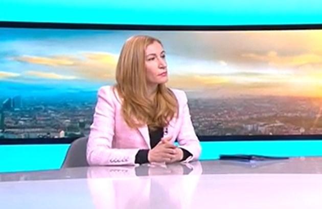 Ангелкова: Апелираме който може да приеме потребителски ваучер