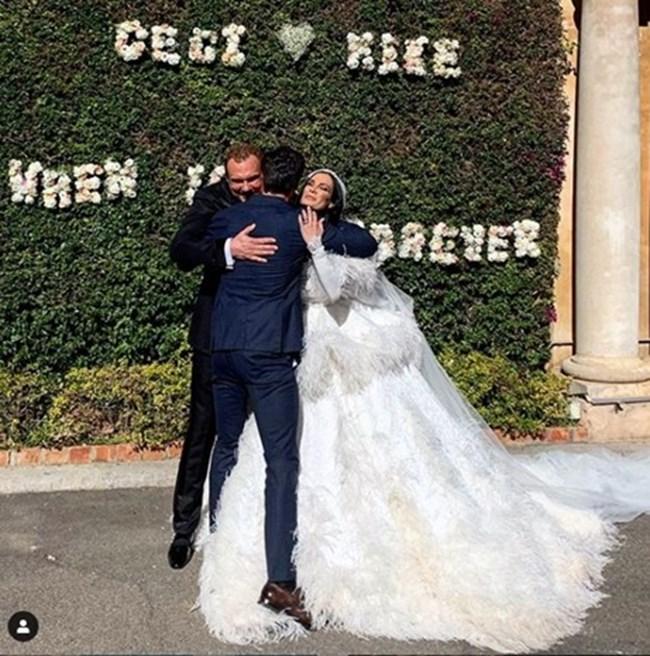Топмоделът Мариан Кюрпанов поздравява младоженците.   СНИМКИ: ИНСТАГРАМ ПРОФИЛИТЕ НА ЦЕЦИ КРАСИМИРОВА, МАРИАН КЮРПАНОВ И НИКОЛЕТА ДИМИТРОВА