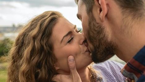 Зодиакални двойки, които си подхождат въпреки различията