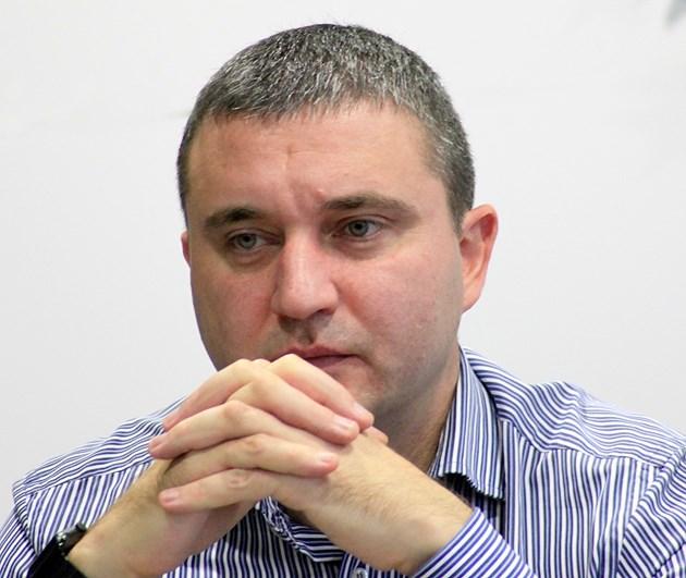 Горанов, чиято фирма купи офиси за 752 994 лв. : Вече съм извън политиката и няма да коментирам търговската си дейност