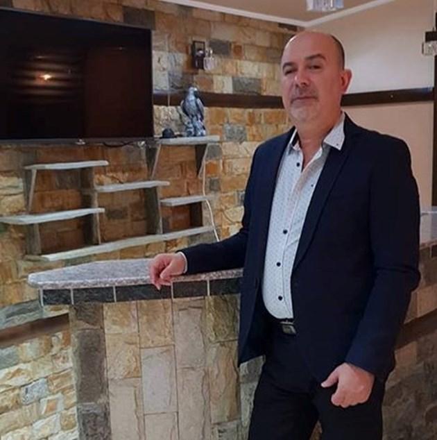 Изпълнителят Орхан Мурад: Напих се от радост, че Живков падна
