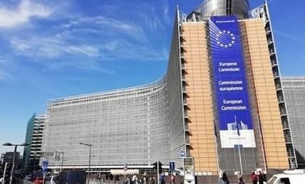 Поне три лекарства срещу COVID ще излязат на европейския пазар