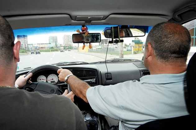 Как новите шофьори да не предизвикват  смърт по пътищата