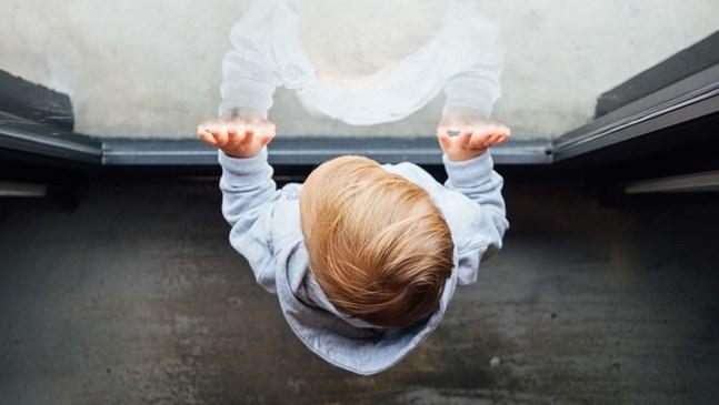Къде е границата в комуникацията между детето и непознатите?