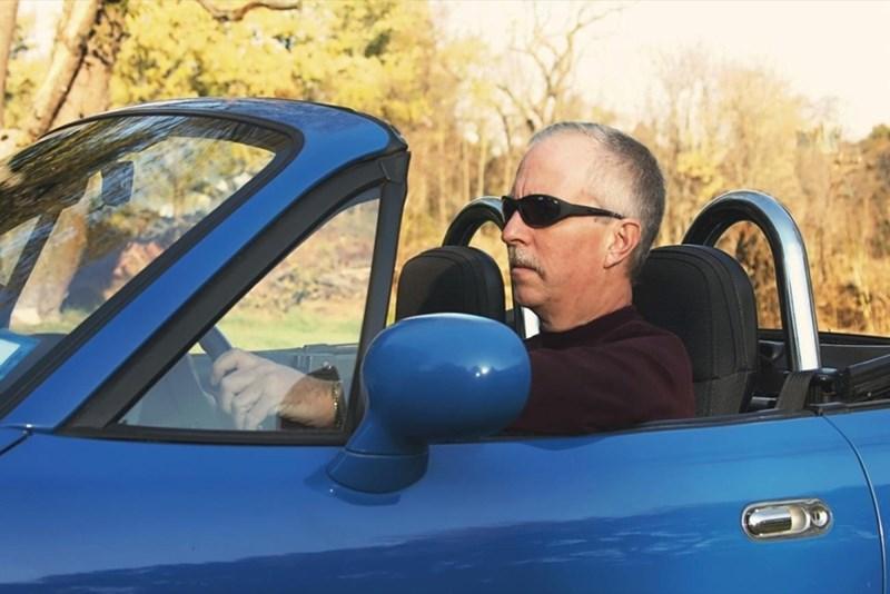 Нова спортна кола ще ви извади от кризата на средната възраст.