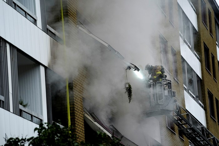 16 души бяха ранени при пожара