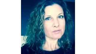 Миролюба Бенатова - На 40, секси и сама