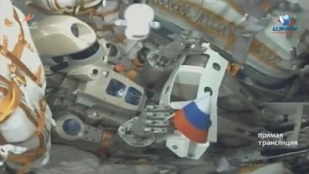 Корабът на робота Фьодор прави втори опит за скачване с МКС