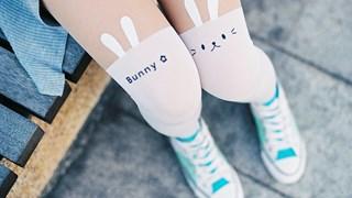 Шармантни с чорапи над коляното (галерия)