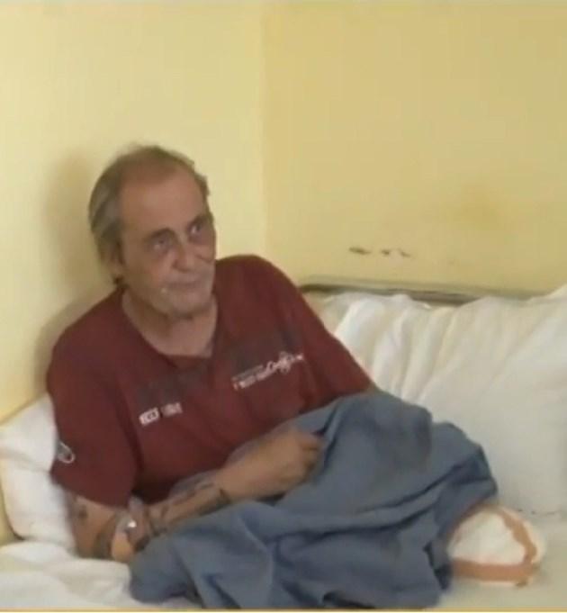 Мъж без крака живее в болница