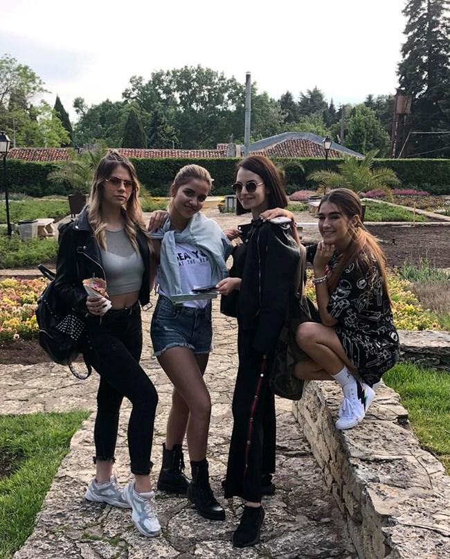 Момичетата от 4Magic ще почиват поотделно през лятото.