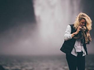 Нели Конуей: Ако сте ядосани, си представете, че ви облива водопад