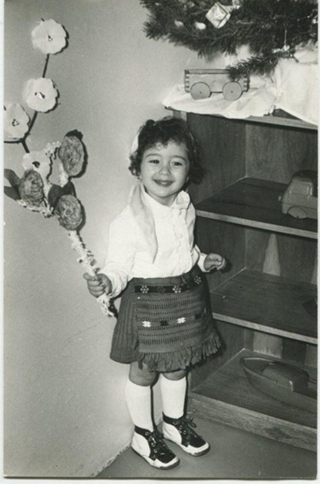 Саня участва във всички тържества в детската градина.