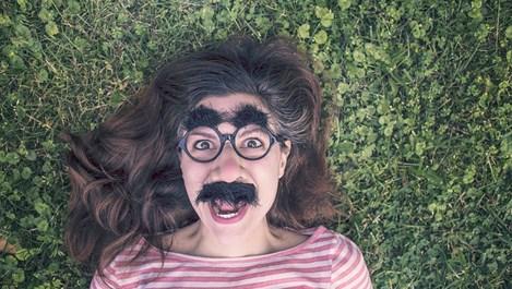 Компания насърчава дамите да си пускат мустаци през ноември