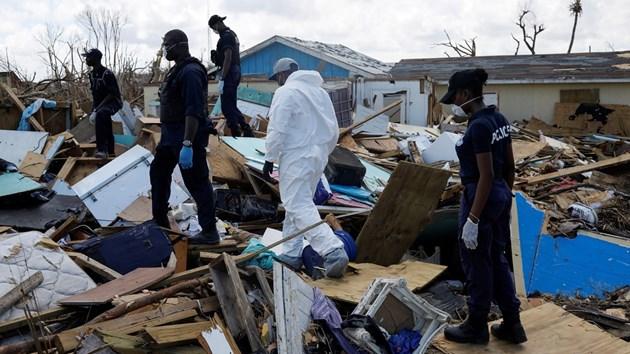 2500 в неизвестност след преминаването на урагана Дориан над Бахамските острови (Снимки)