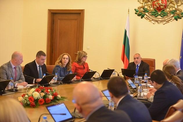 Борисов: Курсът на лева да се сменя само след ратификация на парламента (Обзор)