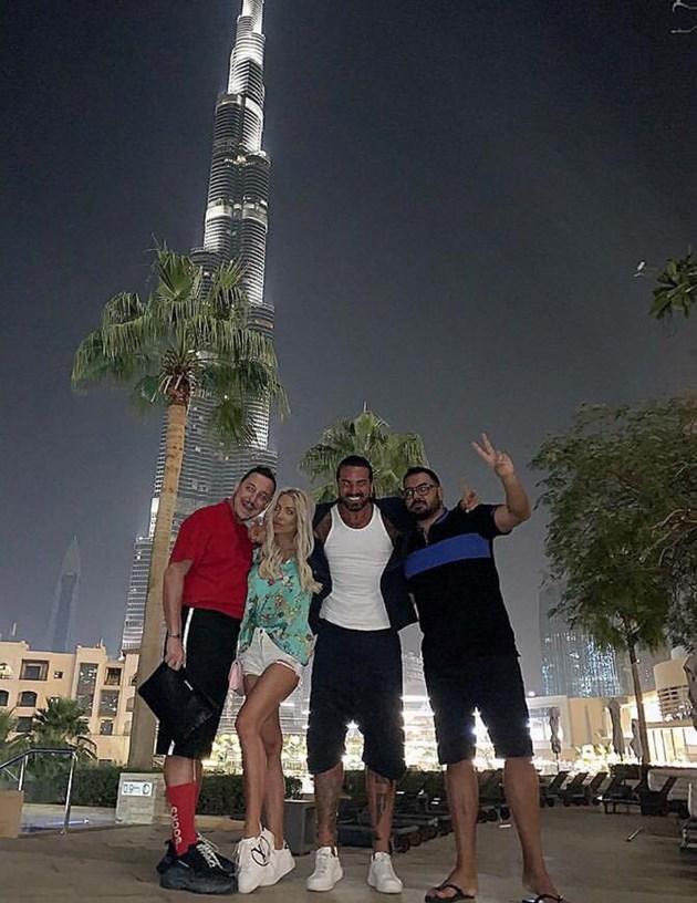 Златка с Благо и Азис с Радо на арабска среща