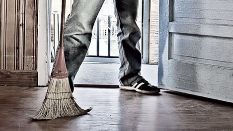 Чистачите у дома също се нуждаят от чистене