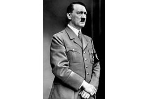 Снимка на Хитлер е открита в телефона на Душко