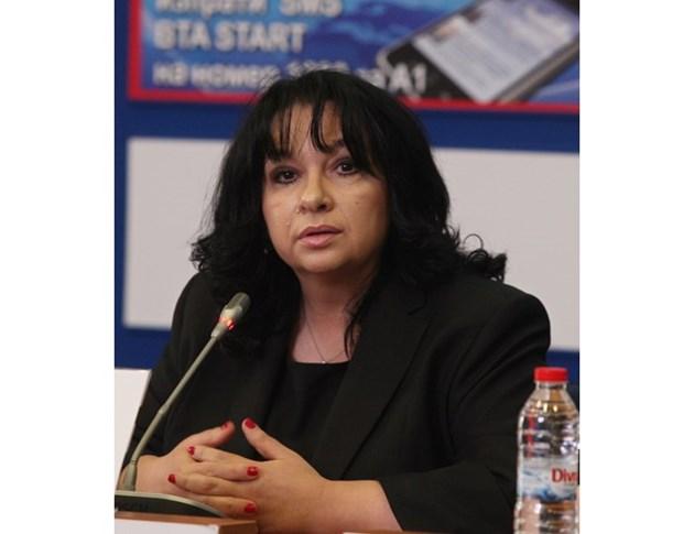 Петкова поиска готова газова връзка с Гърция до октомври