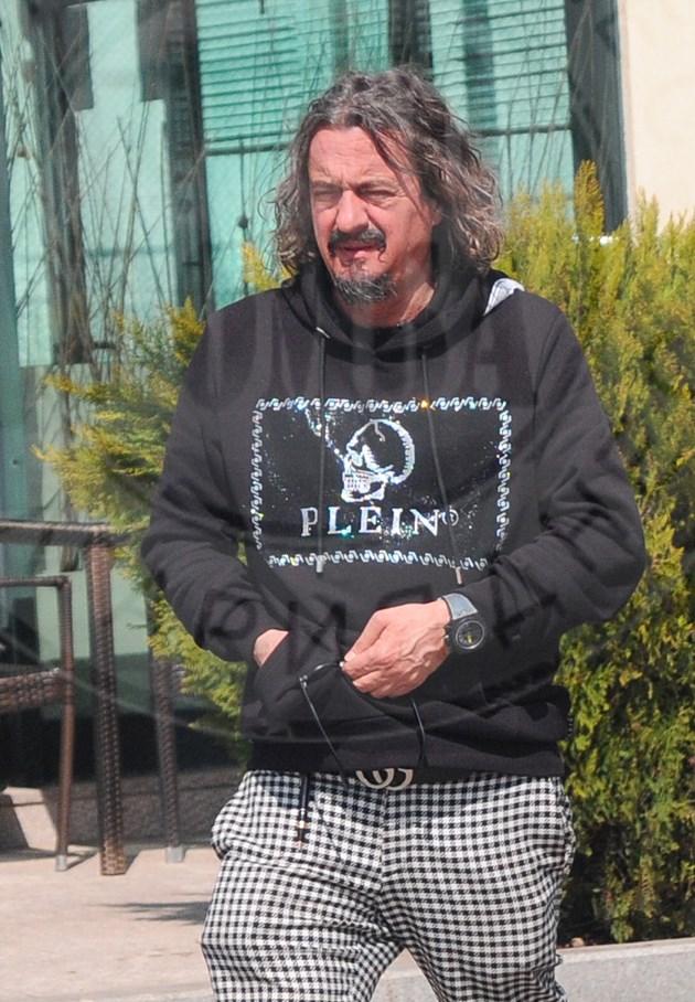 Тони Златков в пепит