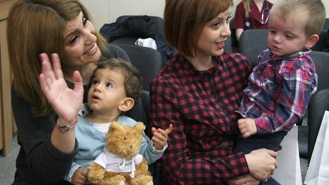 Пловдивска болница отглежда две бебета, изоставени от майките си