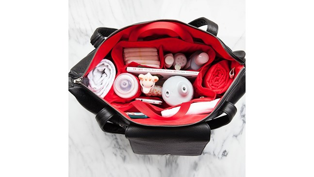 Какво да сложа в чантата на бебето