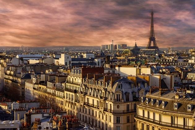 Кметът на Париж заплашва компанията Airbnb с глоба до 12,5 млн. евро