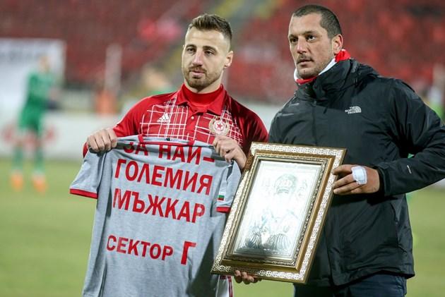 Бодуров не завършил училище