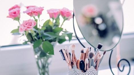 Десет евтини козметични трика
