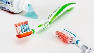 Най-лесният начин за епилация е с паста за зъби