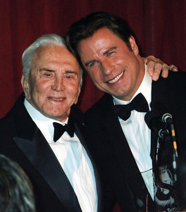 Джон Траволта и Кърк Дъглас на Международния филмов фестивал в Санта Барбара на 15 ноември 2007 г..