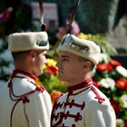 ФОТОГАЛЕРИЯ - Поднасяне на цветя пред паметника на светите братя Кирил и Методий
