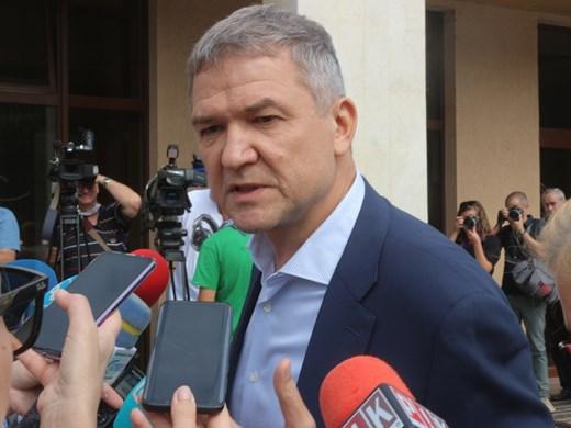 Как Бобоков стана посредник между Външно и президента