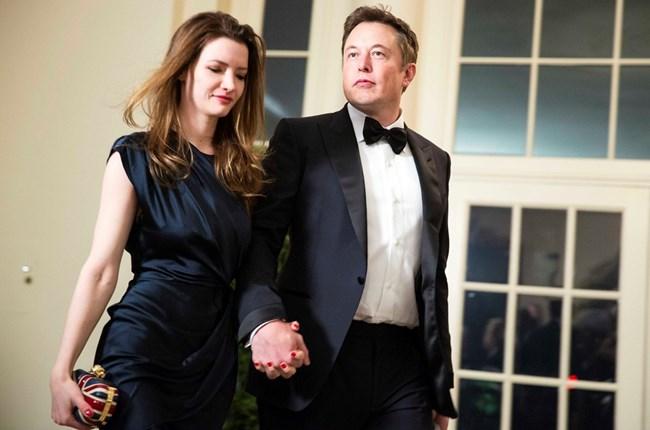 Милиардерът Илон Мъск заедно с втората си съпруга Талула Райли