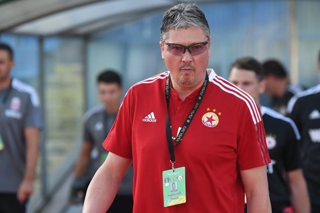 Любо Пенев е уволнен от ЦСКА