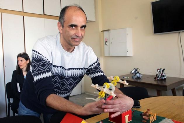 Инж. Иван Чавдаров от Института по роботика: Неизбежно машините изместват човека от труда
