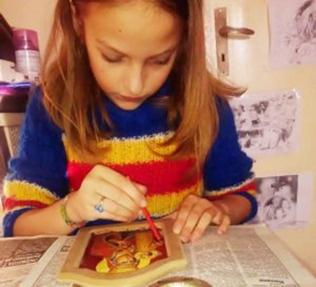 Дете твори икони, за да сбъдне мечтата си