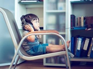 Детство пред екрана: тъжно и вредно