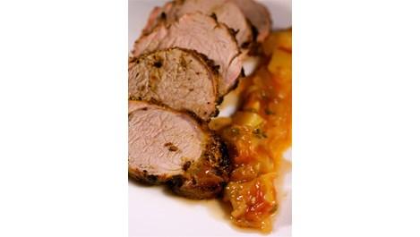 Свинско филе с мармалад от домати и праскови