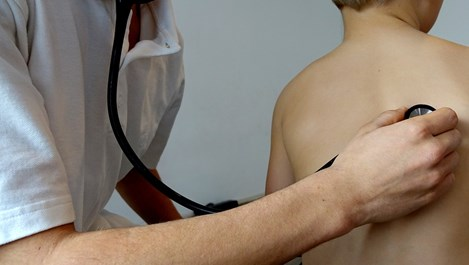 Изкуствен интелект поставя по-ефикасно от педиатрите диагнози на детски болести