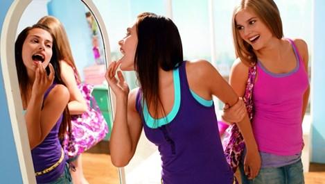 Основни правила при избора на козметика за тийнейджъри