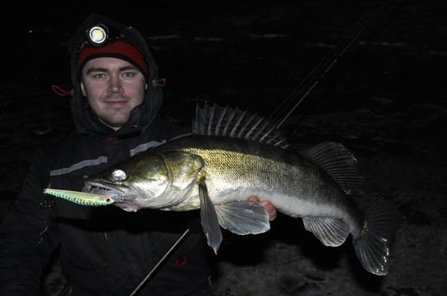 Нощният риболов на бяла риба е доста атрактивен